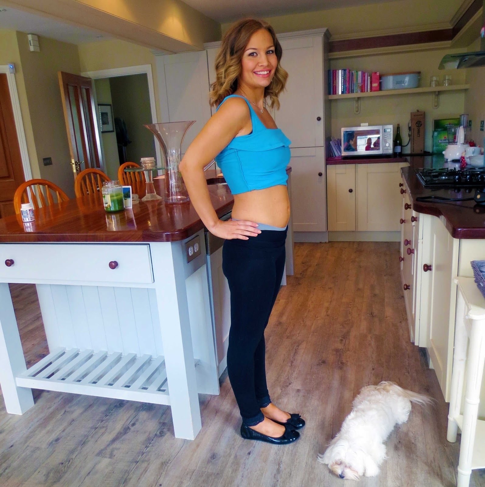 9 Weeks Pregnant with Baby #2! | Anna Saccone Joly