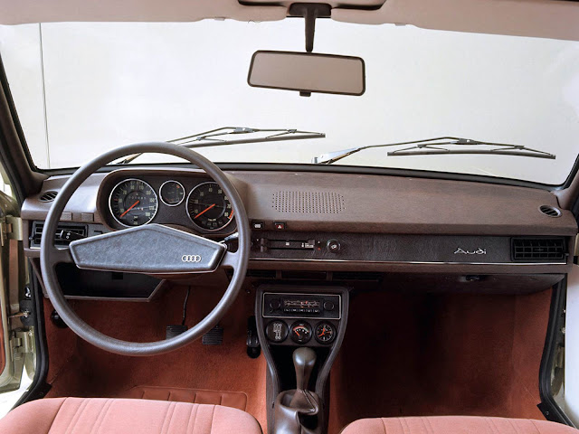 Audi 80 de primeira geração - interior