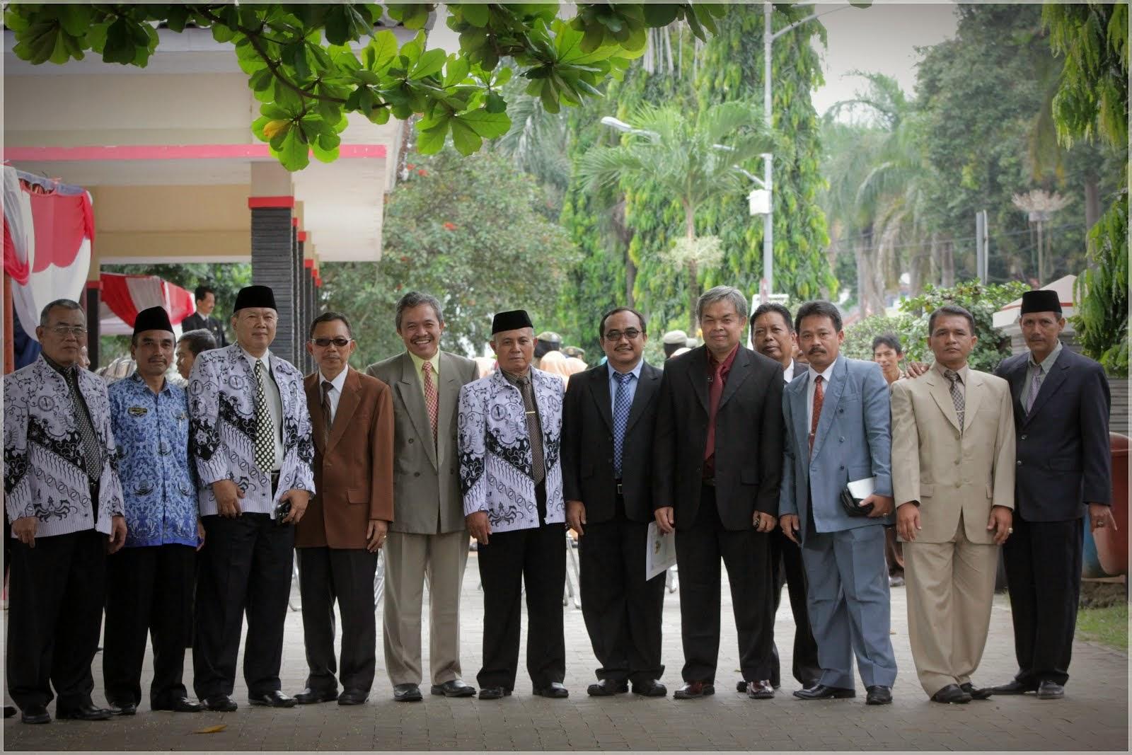 Para Kepala Sekolah dan Pengurus PGRI Kabupaten Majalengka