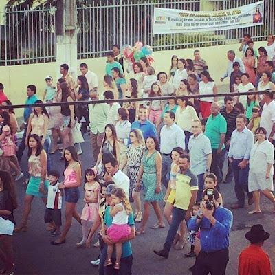Devoção e Fé : Vereador Max de Zé de Toinho participou da Procissão em louvor ao SAGRADO CORAÇÃO DE JESUS, padroeiro de Ribeirópolis.
