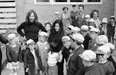 John przedstawia Yoko rodzinie