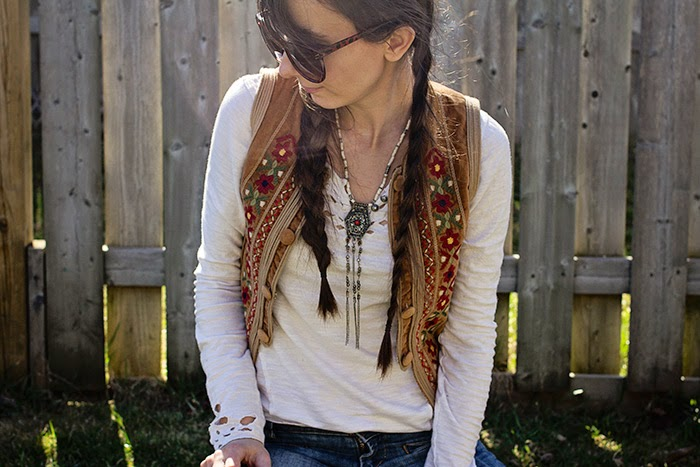 Vintage-vest-flare-jeans-free-people-boho
