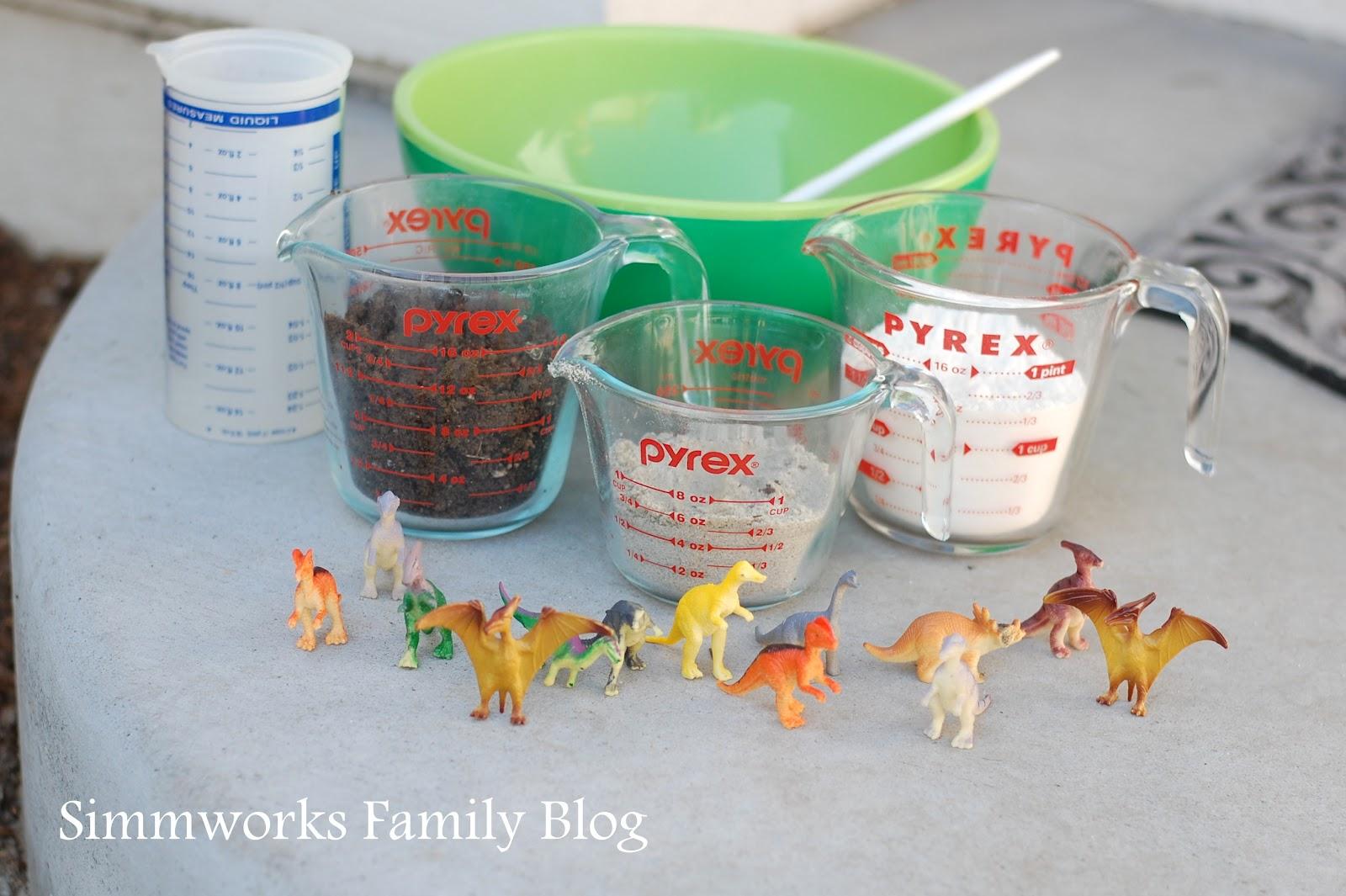 Diy kids crafts diy dinosaur fossils for Dinosaur crafts for preschool