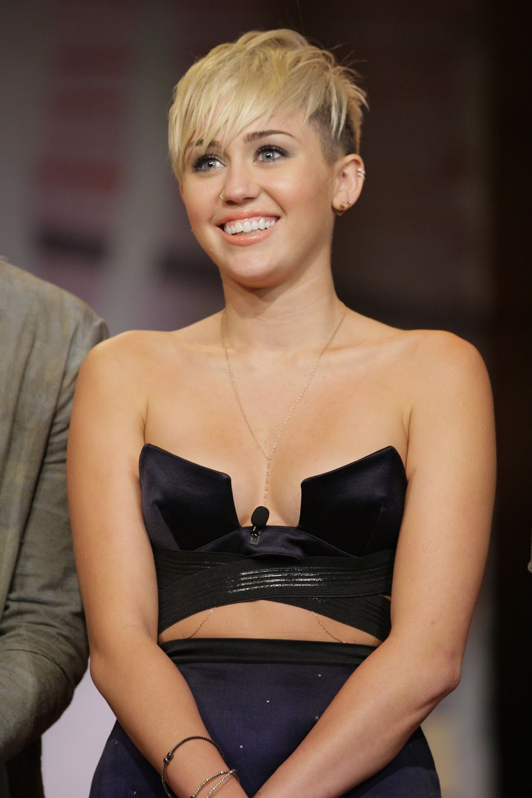 Miley Ray Cyrus Nude Photos 65