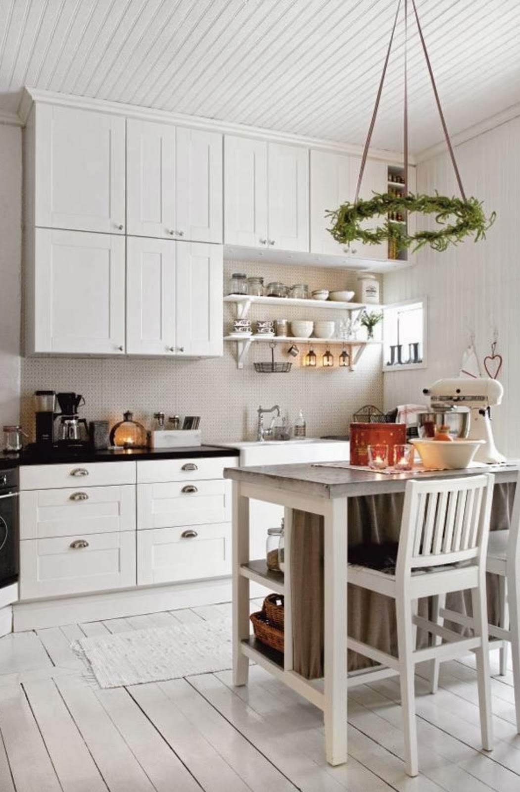 Materiales: Paredes De Pepelma Y Machihembrado De Madera Pintada En  #9F412C 1051 1600 Cucine Stile Nordico