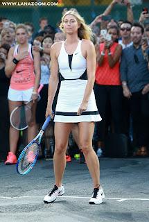 صورماريا شارابوفا خلال حدث NYC Street Tennis في مدينة نيويورك