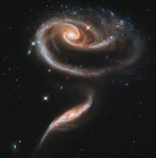 Группа взаимодействующих спиральных галактик Arp 273