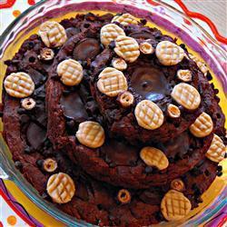 Gâteau au chocolat avec glaçage au chocolat noir