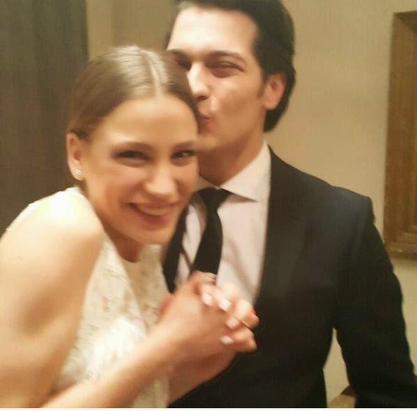 serenay sarıkaya nişanlandımı