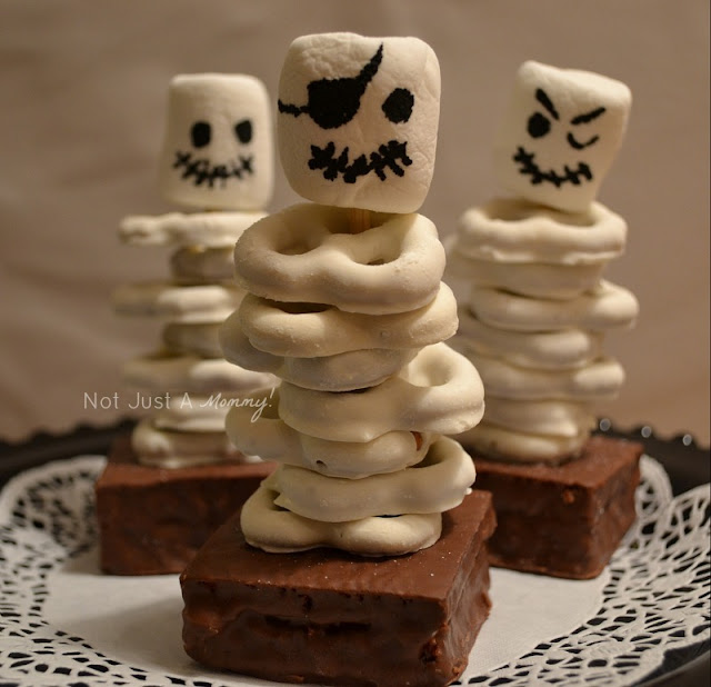 Halloween skeleton brownies