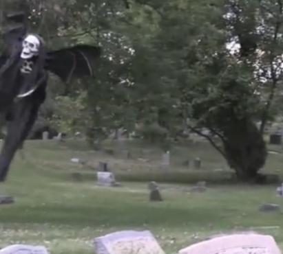 I Migliori scherzi per Halloween: la morte volante