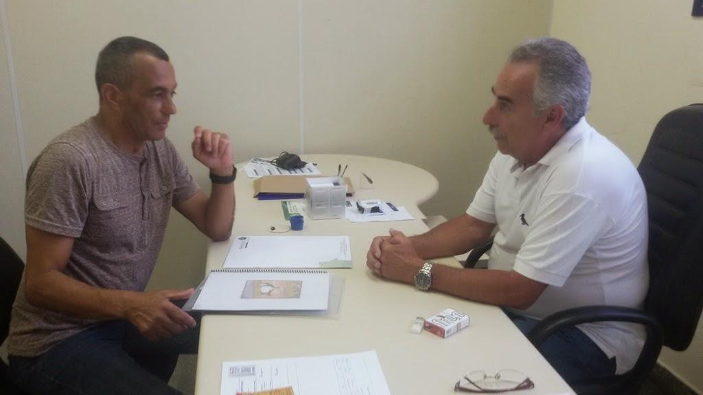 Secretário de Turismo Carlos Tucunduva com Mestre Sorriso: evento de capoeira faz parte do calendário do município