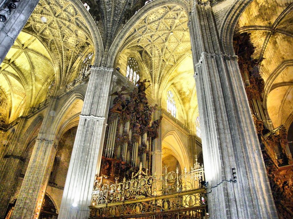 Arte para ni os caracter sticas de la arquitectura g tica for Exterior catedral de sevilla