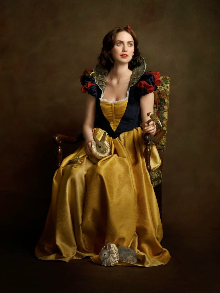 25-Snow-White-Sacha-Goldberger-Superheroes-in-the-1600s-www-designstack-co