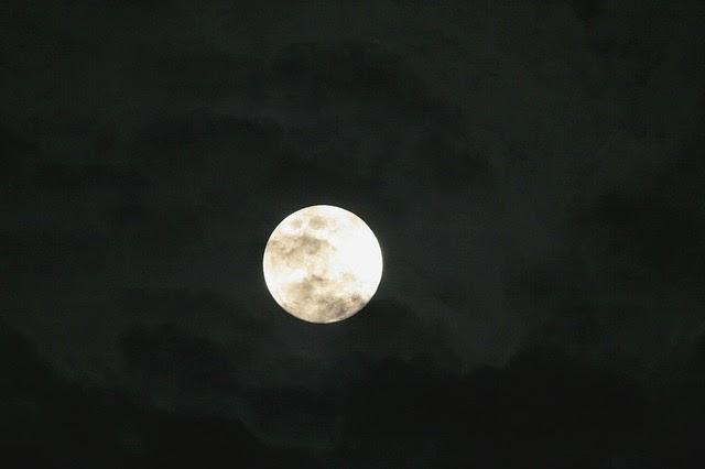 bulan hitam atau black moon 5