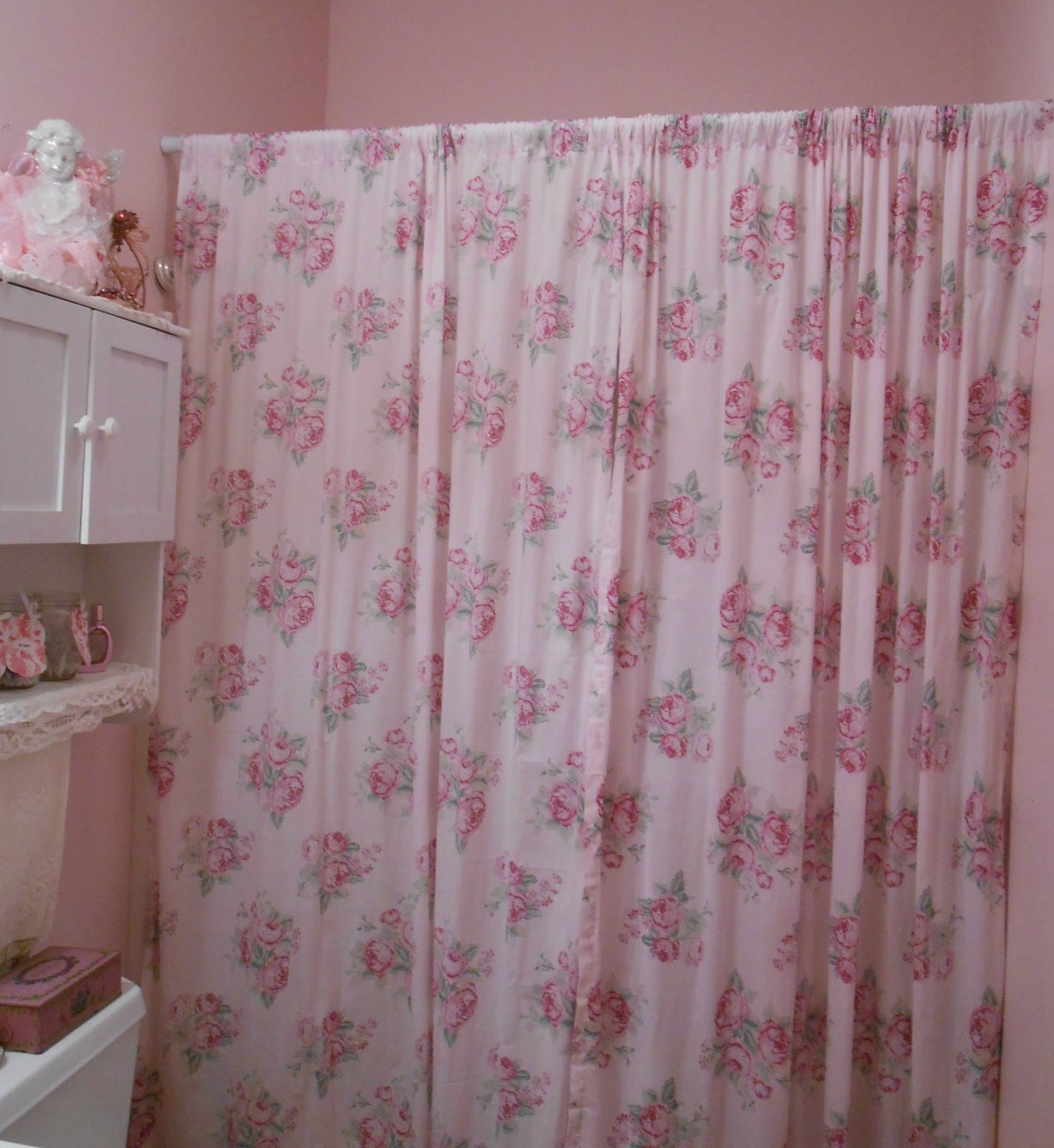 Thi S Is A Shot Of My New Pink Bathroom Shower Curtain