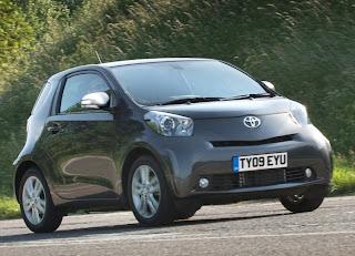 2010 Toyota iQ Pictures