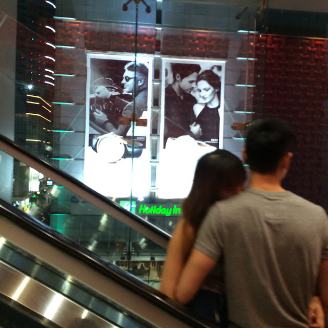 Escalator love, Hong Kong | Cheesy Pennies