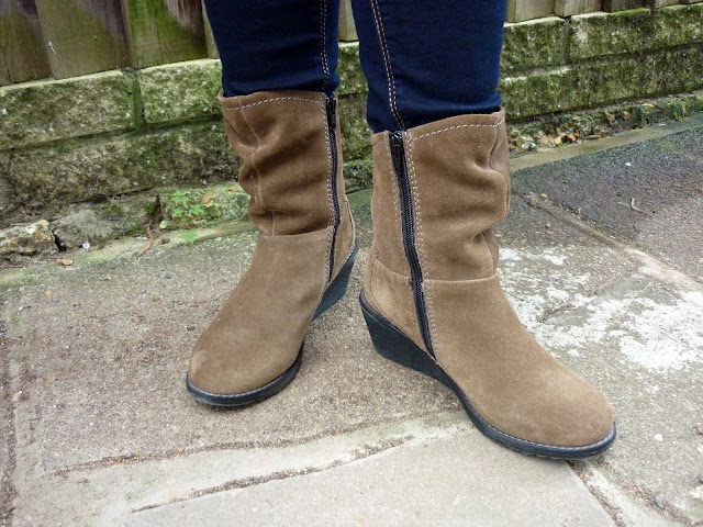 Dorothy Perkins Petite Jeans, Marks & Spencer Wedged Boots | Petite Silver Vixen