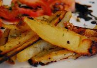 Batatas Assadas com Ervas e Tomates ao Vinagre Balsâmico (vegana)