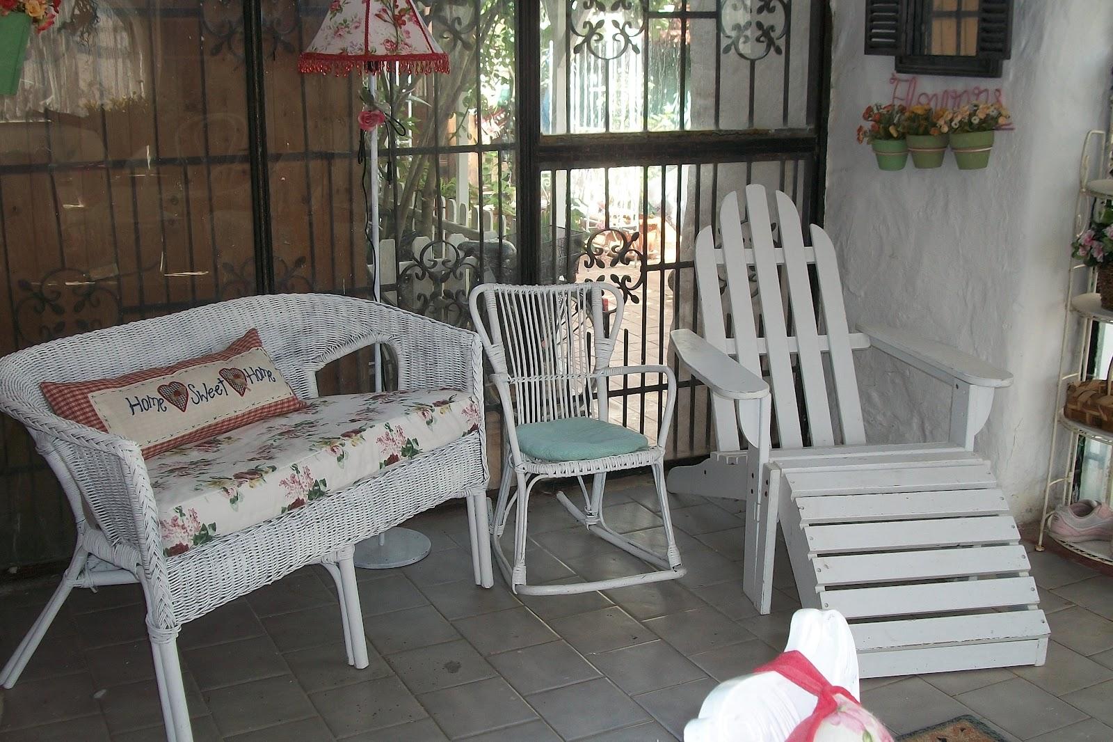 La casa di rory la mia veranda rifatta riciclando - Dipingere mobili ikea ...