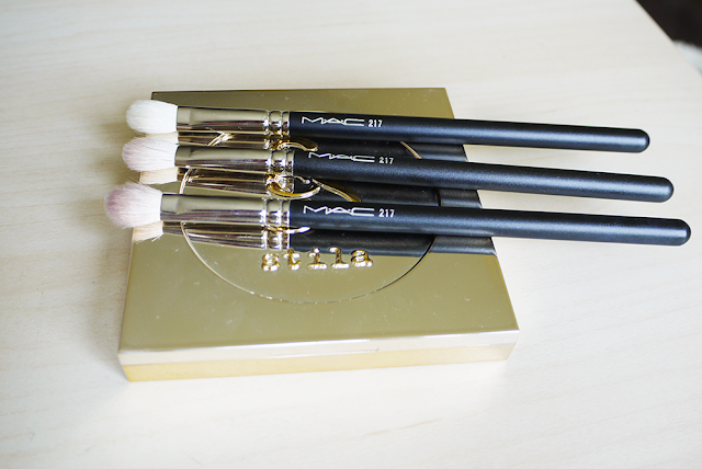 makeup beauty mac brush blending 217