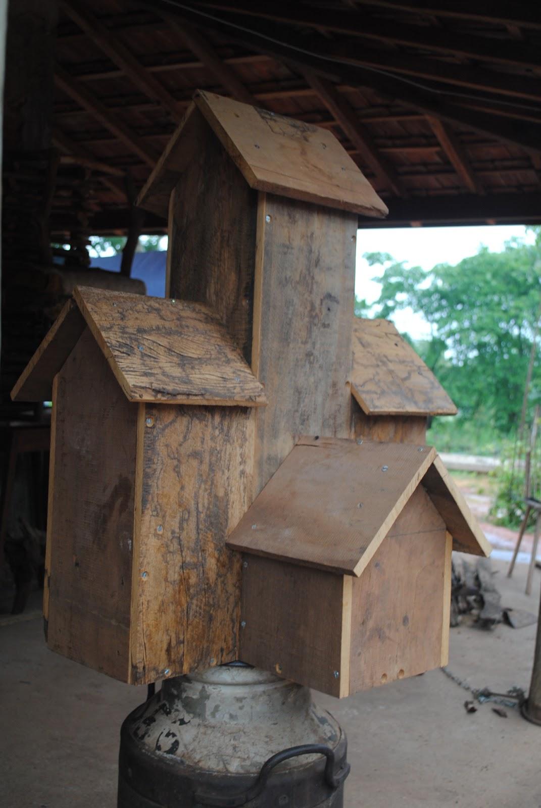 Sementes do Móises: Casa de Passarinho com madeira de demolição #336D4C 1071x1600