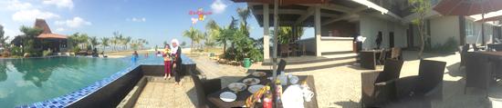 kolam renang hotel d'seasson Jepara