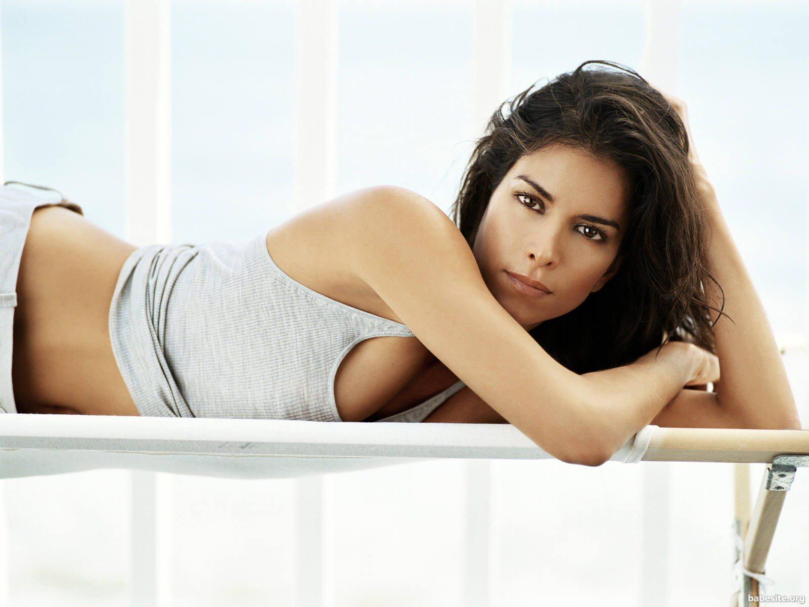 http://4.bp.blogspot.com/-MK1tfRxeJhE/T7IIteLei4I/AAAAAAAAHlo/gGB2bcVjLLY/s1600/Roselyn-Sanchez-003.jpg