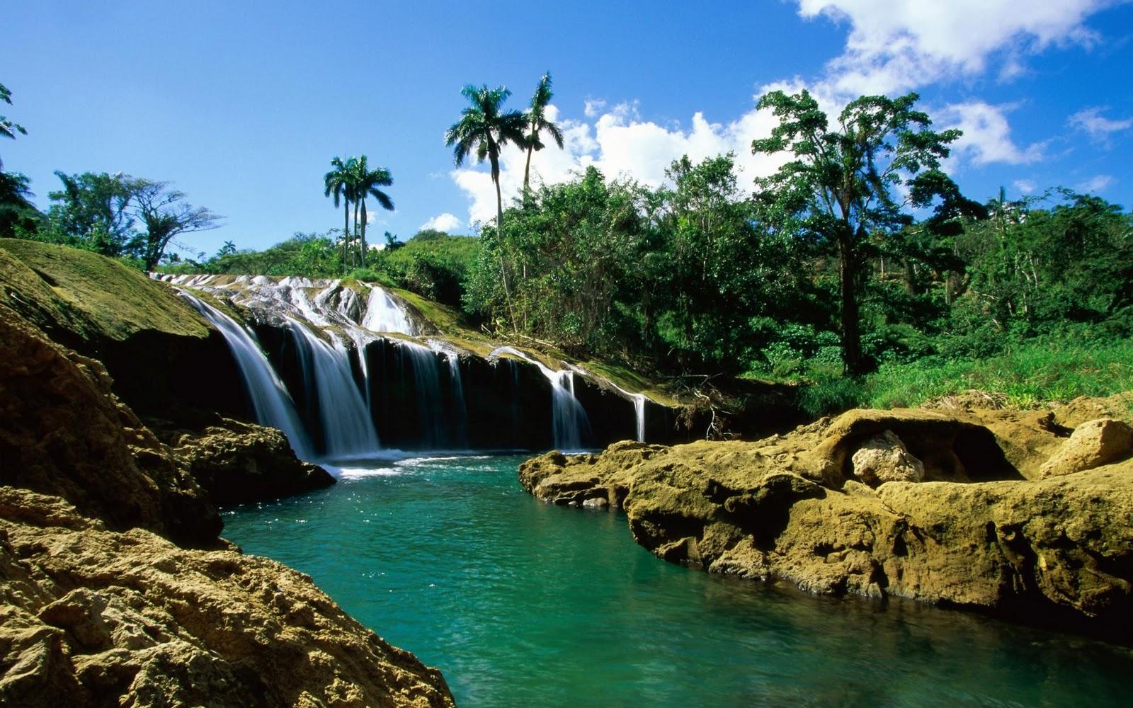 http://4.bp.blogspot.com/-MK75NNsK3S8/Tpavw4cUsYI/AAAAAAAAANk/sMK1KSScfWs/s1600/Waterfall+wallpaper+%25288%2529.jpg