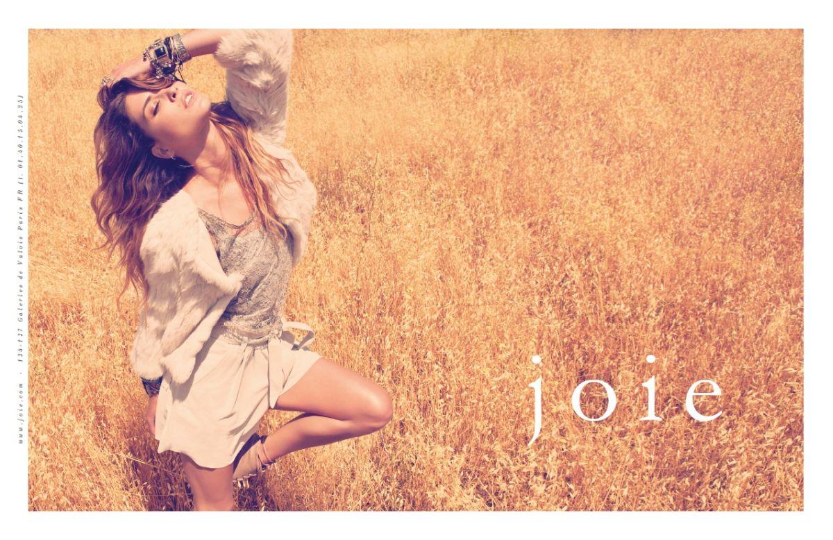 http://4.bp.blogspot.com/-MKBFKLIP-o0/TqGPkDYjfcI/AAAAAAAAADo/2cvlkzBmEBY/s1600/Erin-Wasson-by-Camilla-Akrans-for-Joie-02.jpg