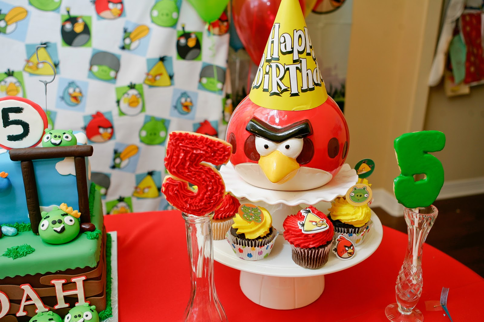 Choosing joy today angry bird party decorations for Angry birds birthday party decoration ideas