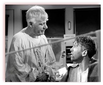 George (James Stewart) e seu anjo da guarda Clarence (Henry Travers) em A Felicidade Não Se Compra