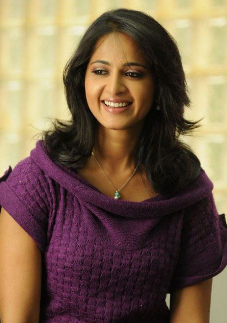 anushka+looking+very+beautiful