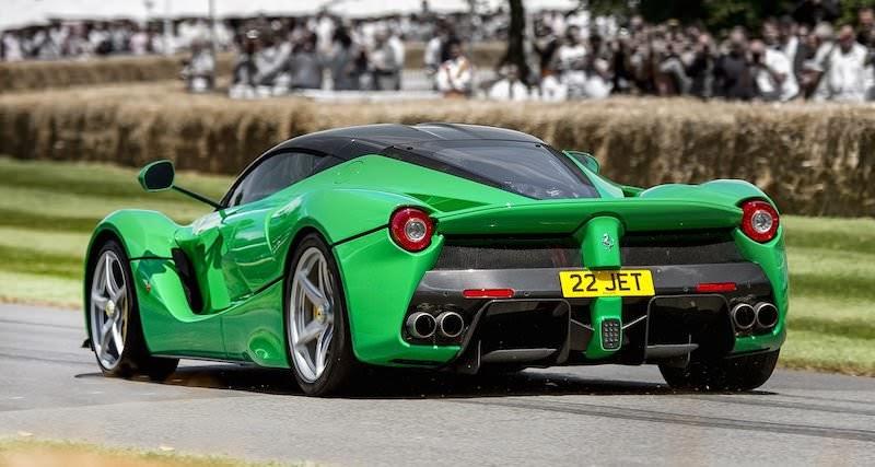 ヴァン・ヘイレンの元ボーカリスト、サミー・ヘイガーが「ラフェラーリ」を購入!