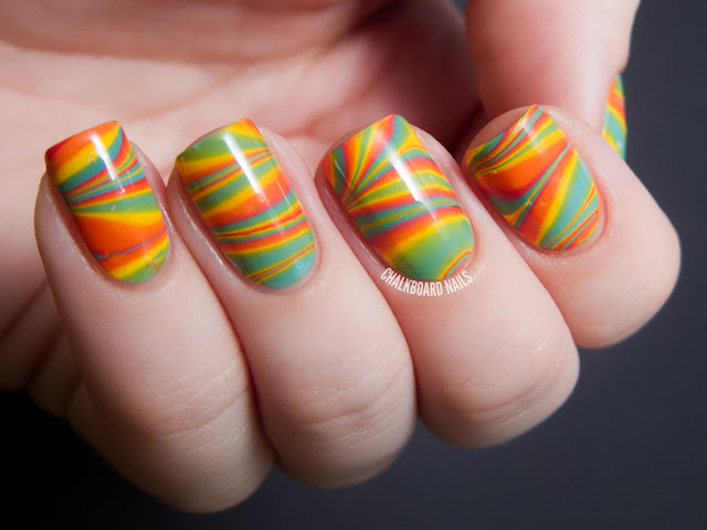 Chalkboard Nails: Citrus water marble