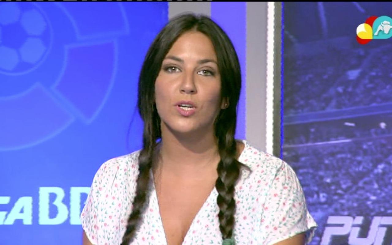 Irene Junquera (Escote, shorts y trenzas)