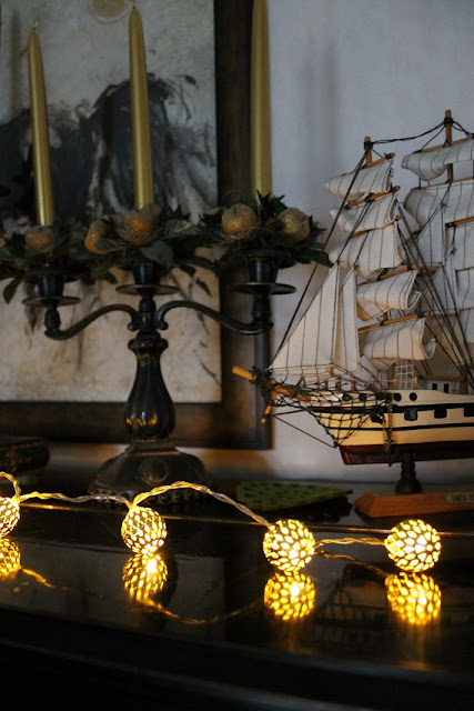 kynttilänjalka, purjelaiva, purjevene, taulu, valaisinsarja