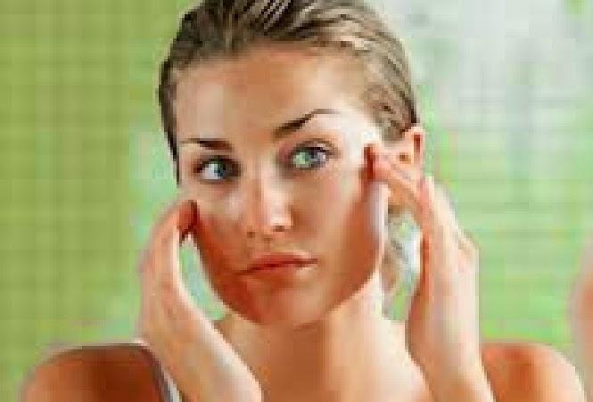 Cara mudah mengatasi kulit wajah berminyak