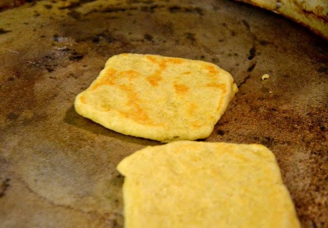 Przepis na marokański chlebek Msemen