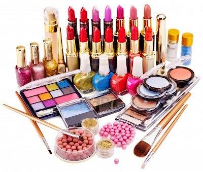 Jak długo żyją kosmetyki?