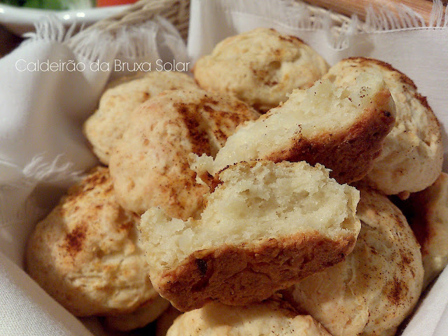 Pãezinhos de minuto de cebola e queijo