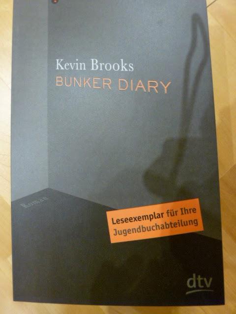 http://www.lenasbuecherwelt.blogspot.de/2014/03/rezension-kevin-brooks-bunker-diary.html