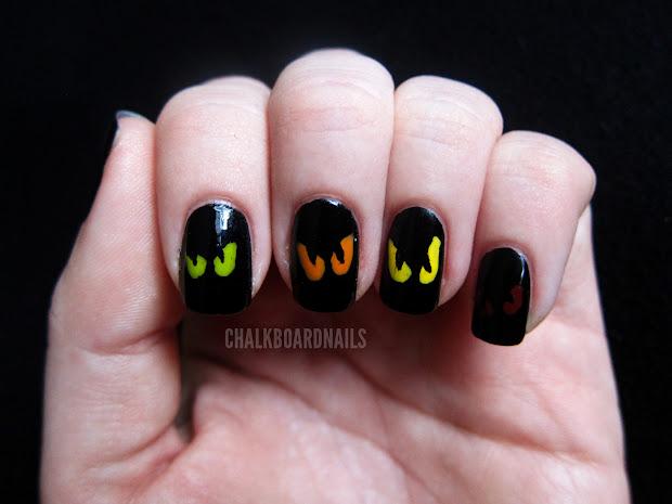 simple spooky eyes chalkboard