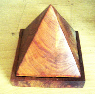 RAJA KAYU (PYRAMID)
