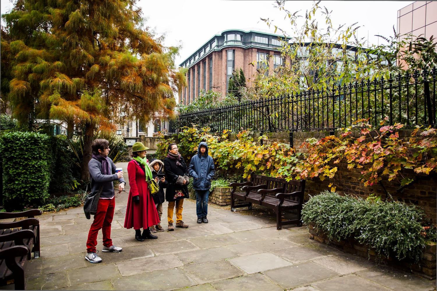 Miss B Takes A Walk: Queenhithe Volunteer Walk - Photographs by ...