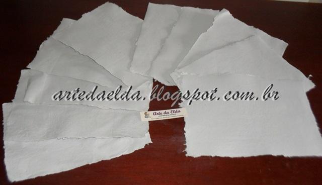 Folhas de papel machê