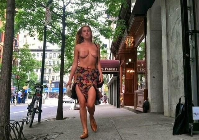 Hija de Demi Moore pasea en topless por NYC