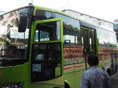 bus, mikrolet, oplet, transport dalam kota