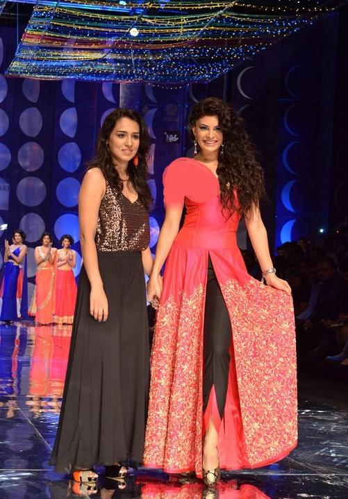 Jyotsana tiwari at india bridal fashion week 2013 latest fashion